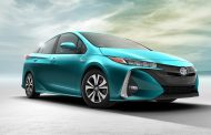 BENCHMARK OF A NEW ERA TOYOTA PRIUS